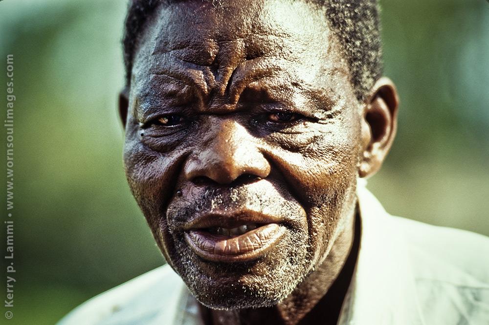 Swaziland African man.   •  Swaziland (Afrikalı) adam.