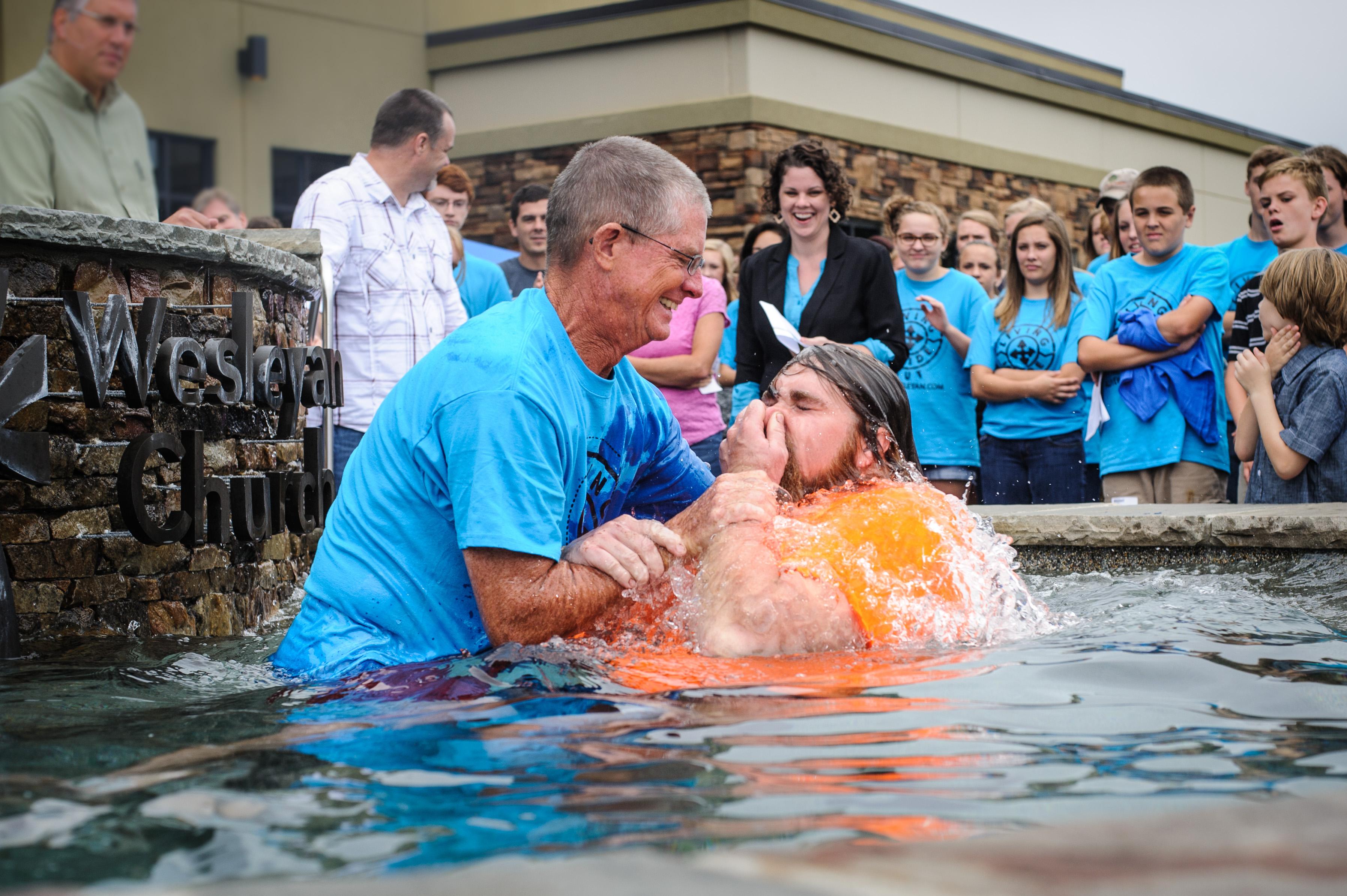 2014-08-10_baptism_Alive_Wesleyan_0225_sm